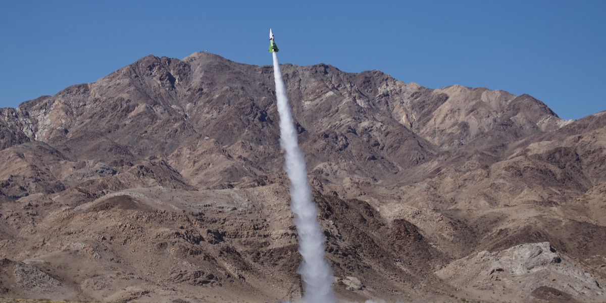 Self-styled daredevil who believed Earth is flat dies after Calif. rocket crash