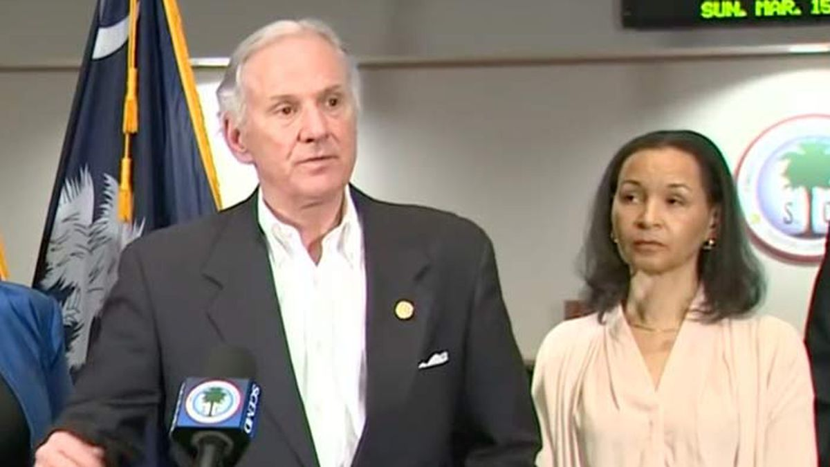 Governor issues executive order activating SC National Guard, giving DHEC emergency powers