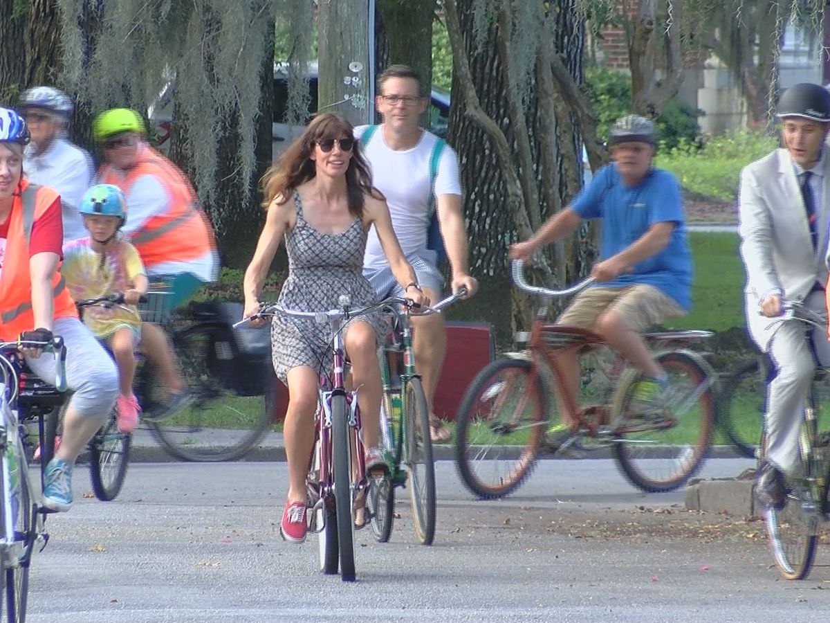Bike Walk Savannah hosts 5th Annual Seersucker Ride