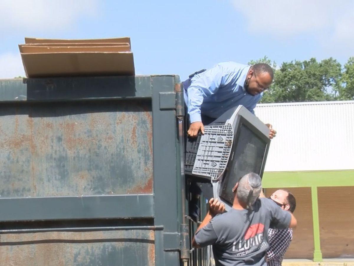 Savannah alderman helping residents with sanitation services