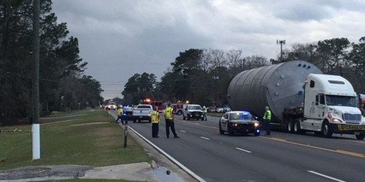 Hwy 80 in Garden City reopens after wreck involving truck, powerlines