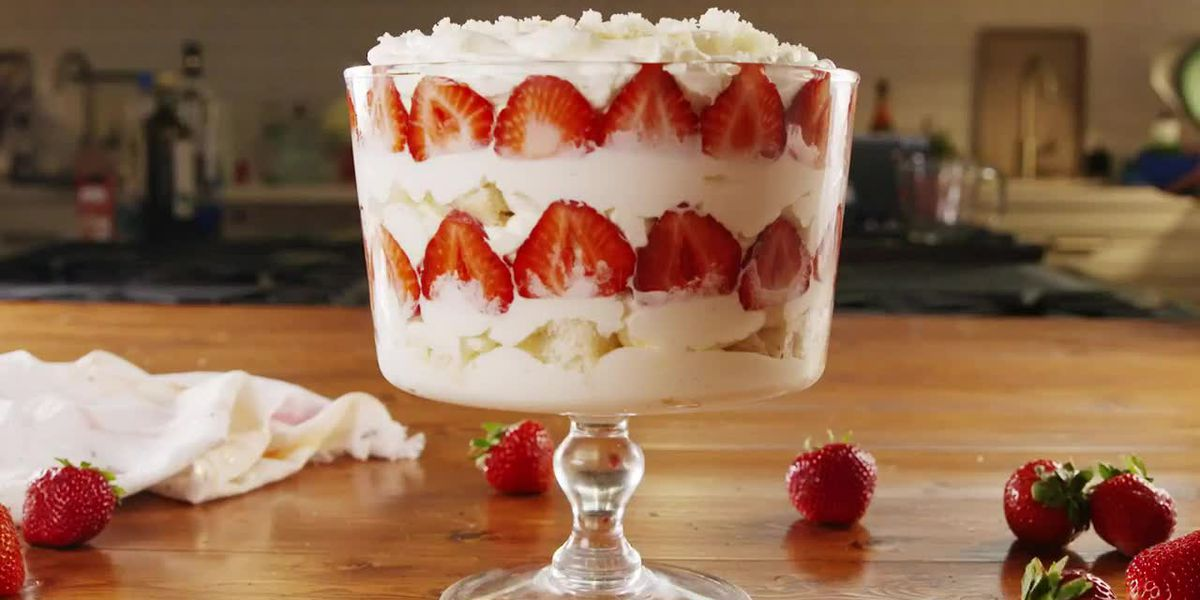 An easy Strawberry Trifle recipe