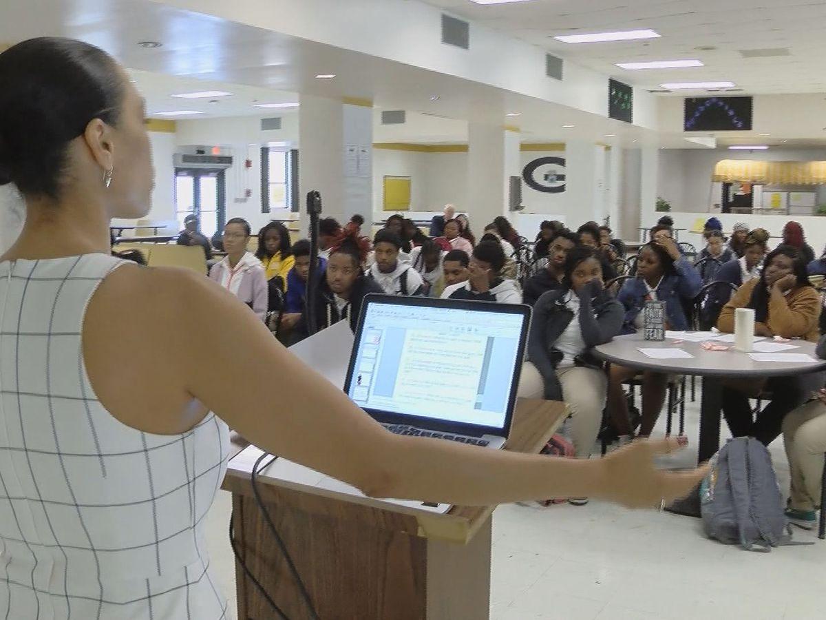 Good News: Veteran's goal-setting workshops for local students