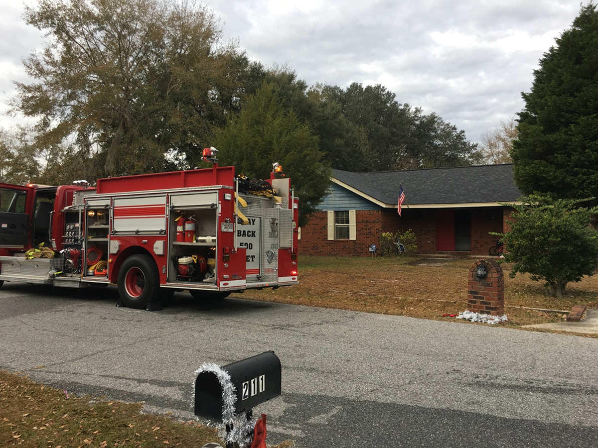 Family of 4 displaced by fire in Long County