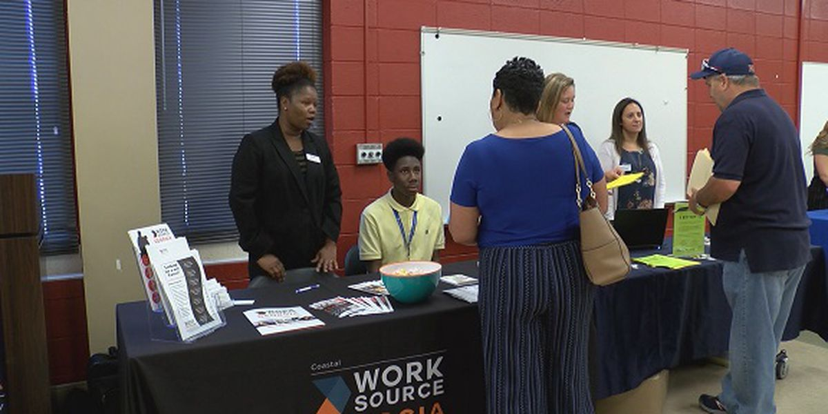Big companies search for future employees at Hinesville job fair