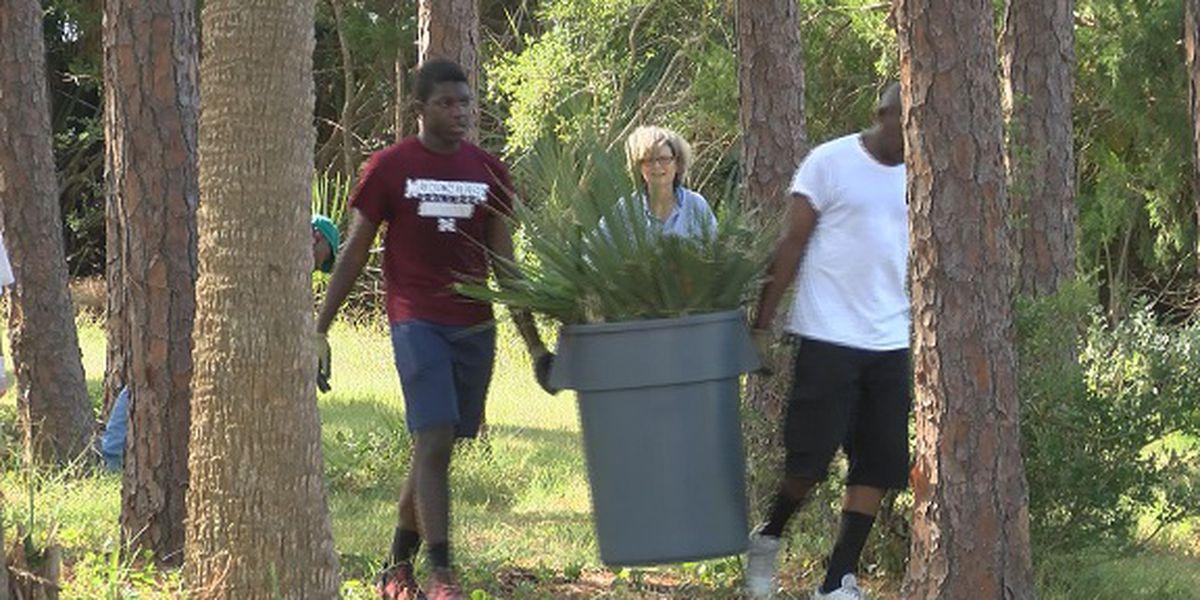 Good News: Volunteers help clean up Fort Pulaski