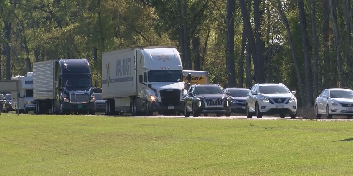 Bumper-to-bumper traffic on I-95 as many travel for Easter weekend