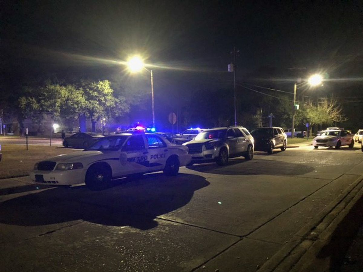 Heavy police presence reported in downtown Savannah