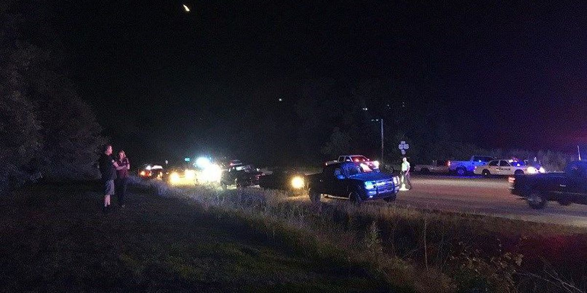2 injured after 3-vehicle wreck in Claxton
