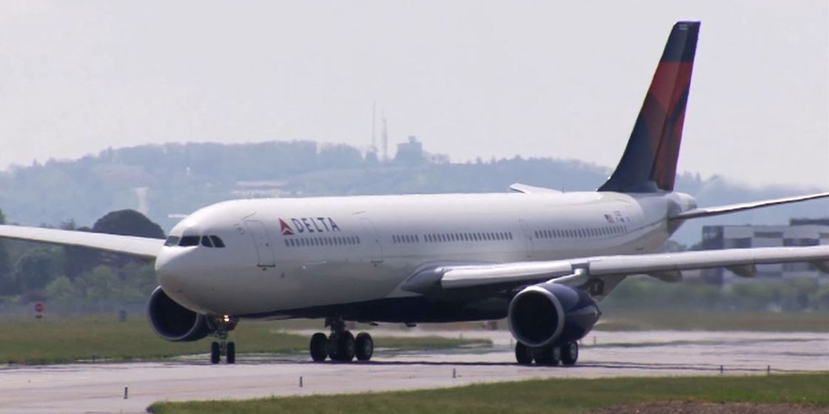 American Airlines, Delta to require customers to wear face coverings