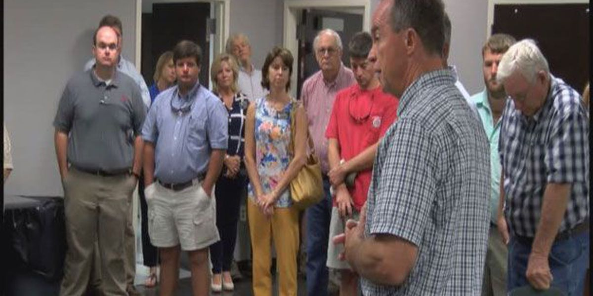 Bulloch Co. agricultral producers gather for prayer to begin harvest season