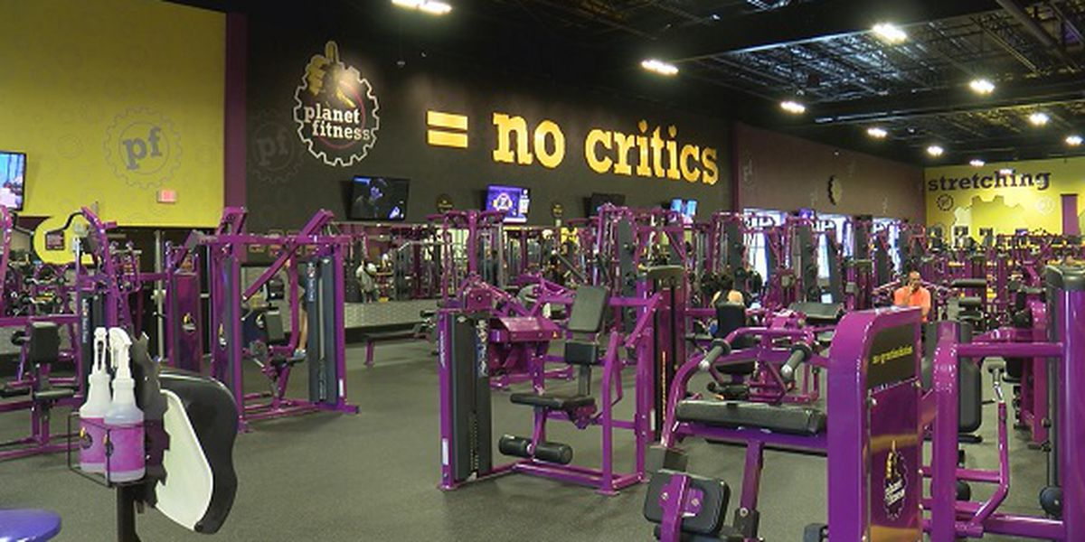 Teens taking advantage of free gym memberships at Planet Fitness
