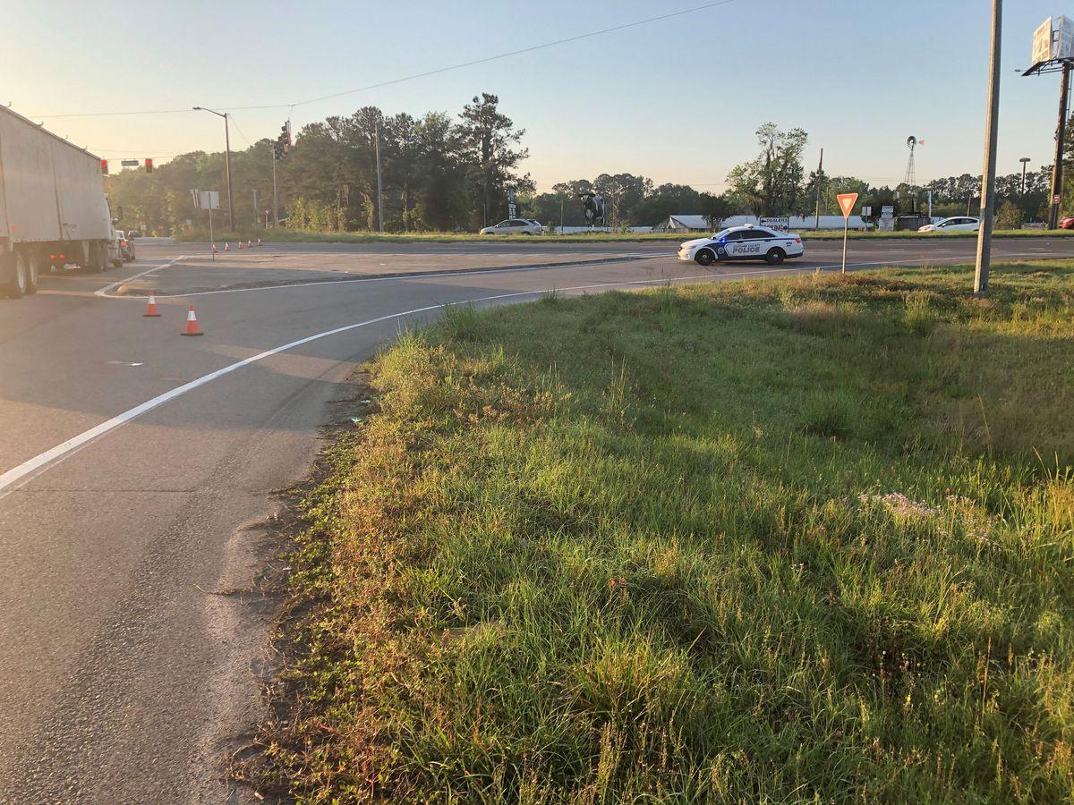 Fatal crash blocks Hwy 17 in Chatham Co.