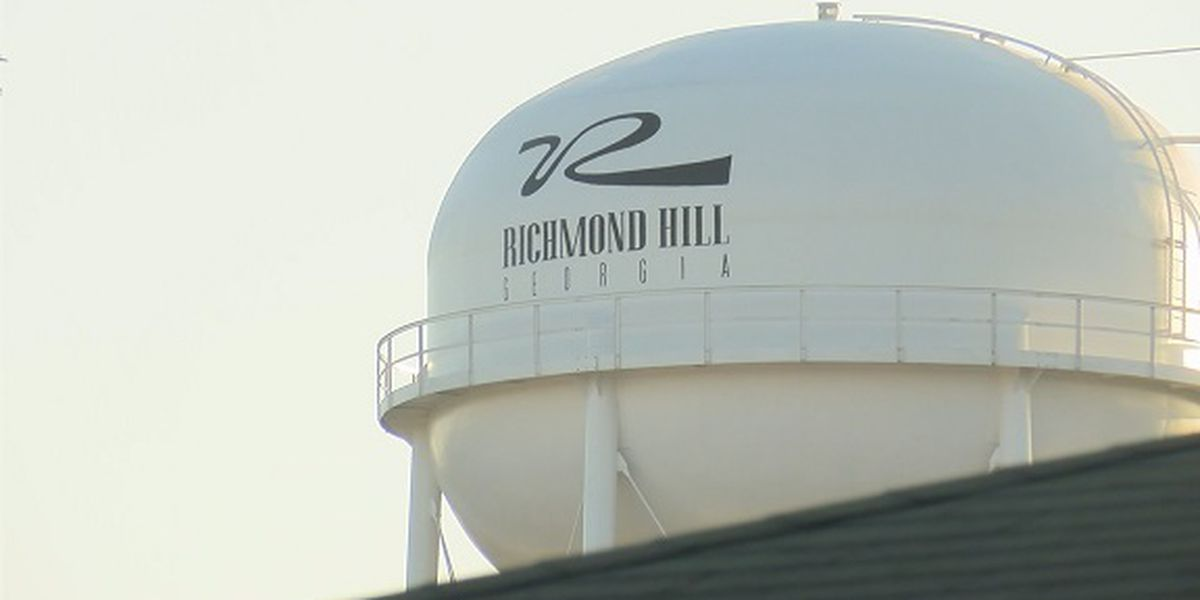 City of Richmond Hill enforces curfew for residents staying through storm