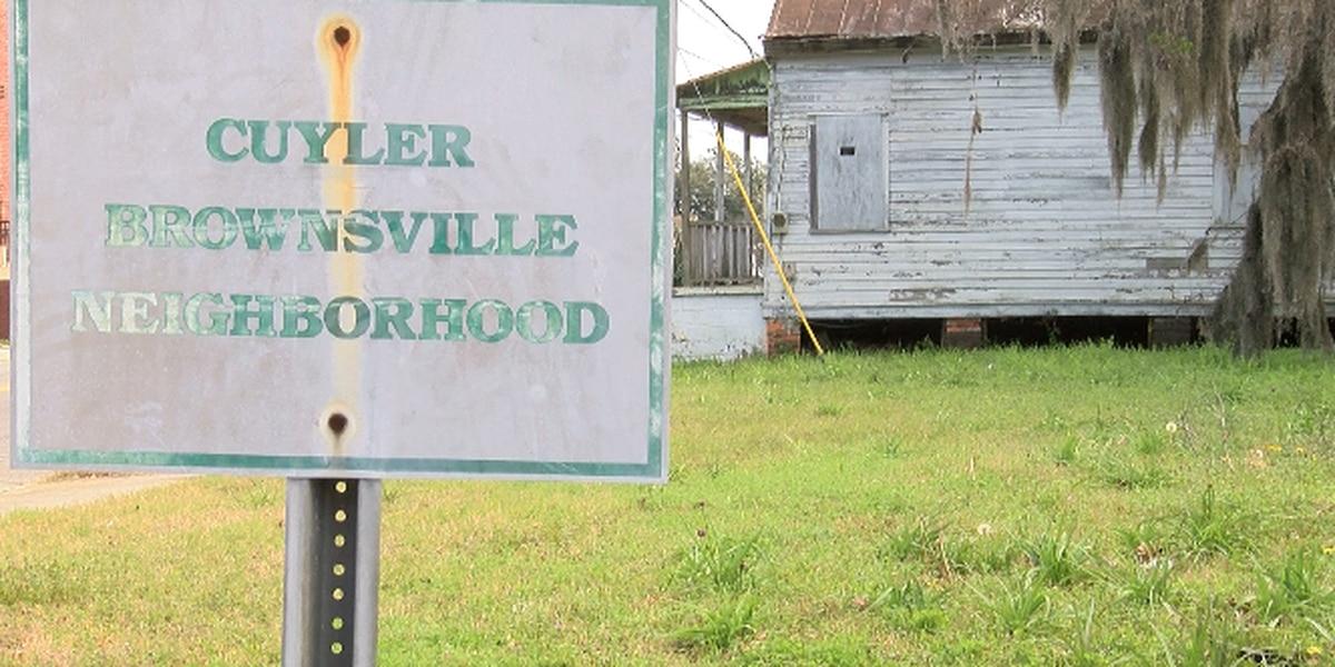 Historic Savannah Foundation funds grants for two neighborhoods