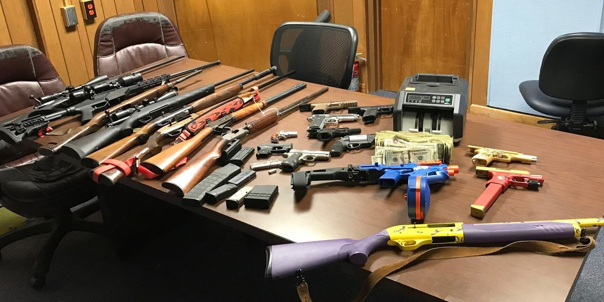 Man arrested after deputies seize drugs, guns painted to look like toys in Catawba, N.C.