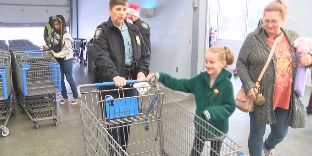 "Students join Chatham Co. Police for ""Shop with a Cop"""